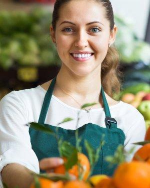 для работников сферы торговли продовольственными товарами