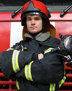 для специалистов, которые работают во взрыво- и огнеопасных условиях
