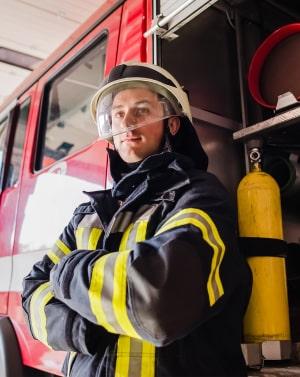 для специалистов, которые работают во взрыво и огнеопасных условиях